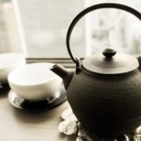 「白湯を飲む」朝一杯の白湯からスタート。アーユルヴェーダ白湯の効果や白湯の作り方まで。