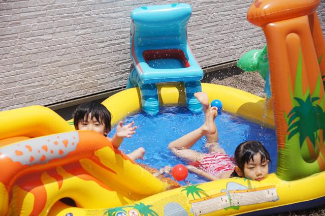 レインボー プール,自宅 プール,プール 遊び,屋上 プール,コストコ プール,プール ランキング,プール おすすめ,ビニールプール すべりだい