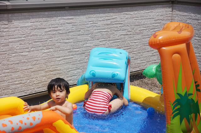 レインボー プール,自宅 プール,プール 遊び,ビニールプール 大型,自宅プール 大きい,プール ランキング,自宅プール おすすめ,ビニールプール 滑り台
