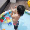 自宅プールで夏満喫♪ 人気のビニールプールに、水風船にシャボン玉。我が家の小さな夏の思い出日記。