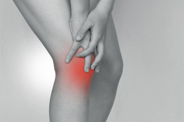 膝が痛い人にタマゴサミンは効果があるのか