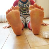 足汗がすごくて臭い!足汗にテサランは効果があるのか使ってみました。