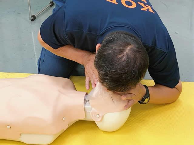 人工呼吸 資格,人工呼吸 やり方